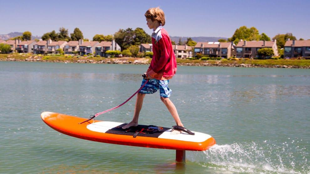Voici un nouveau concept, l'Electric Hydrofoil Jetfoiler Efoil