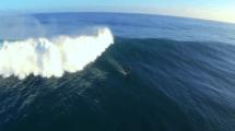 Vidéo de Laird Hamilton en foil surf boarding à Kauai