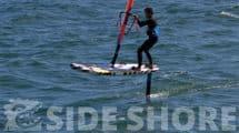 Du windfoil sur une planche gonflable RRD Air Windsurf Freeride