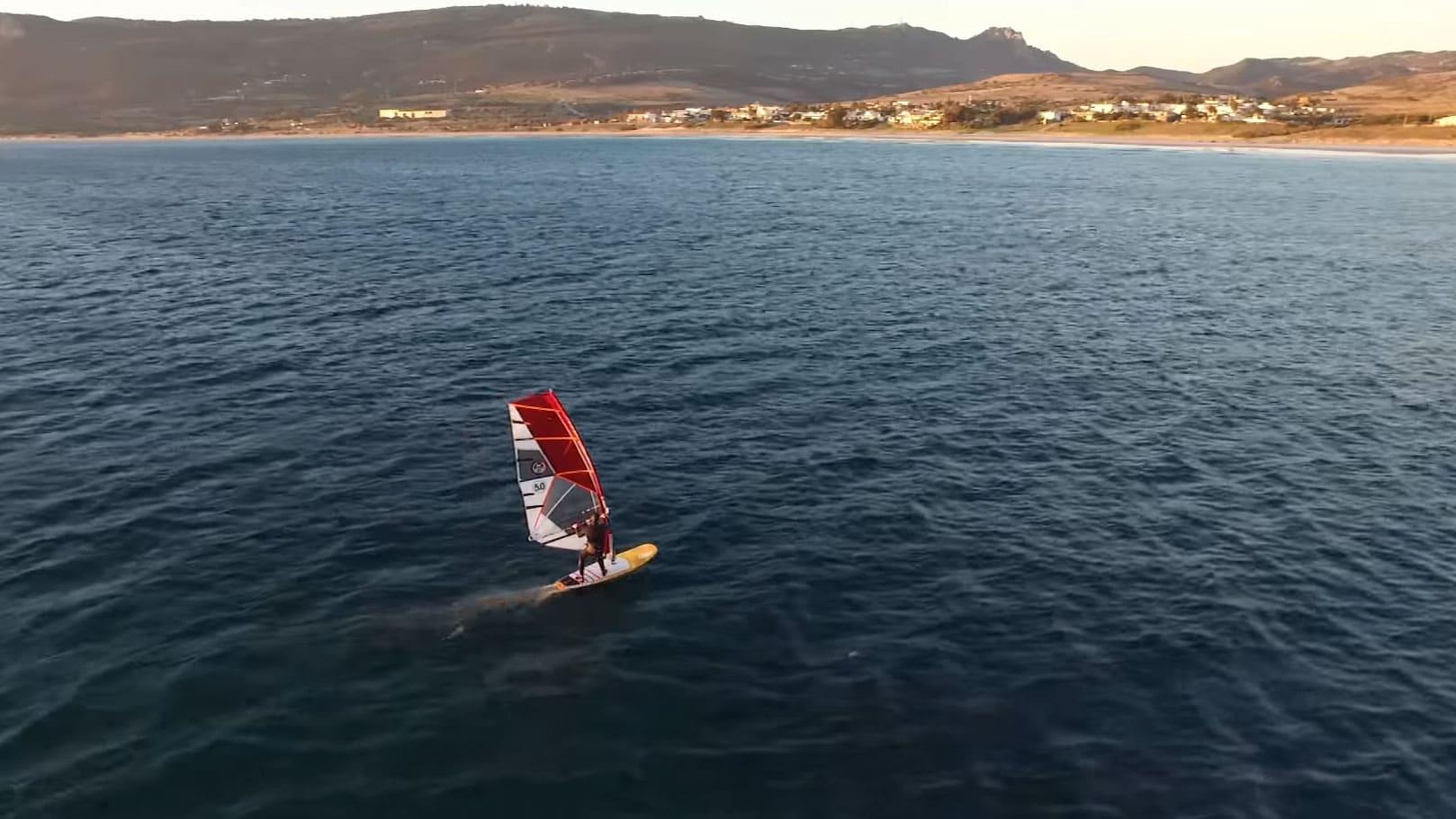 Vidéo Fred Bonnef en windfoil à Tarifa