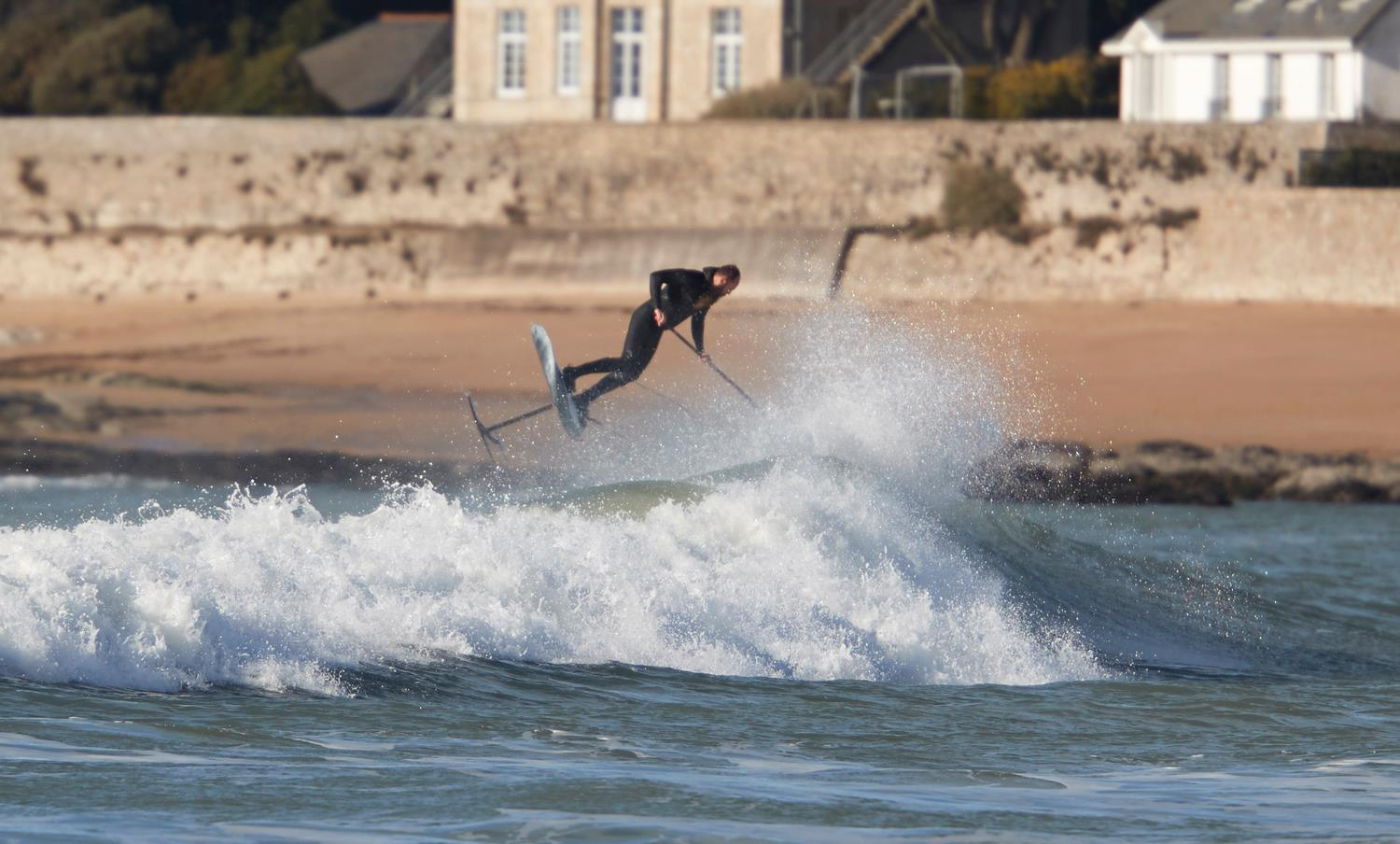 Stand up paddle foil de plus en plus radical avec Gong !