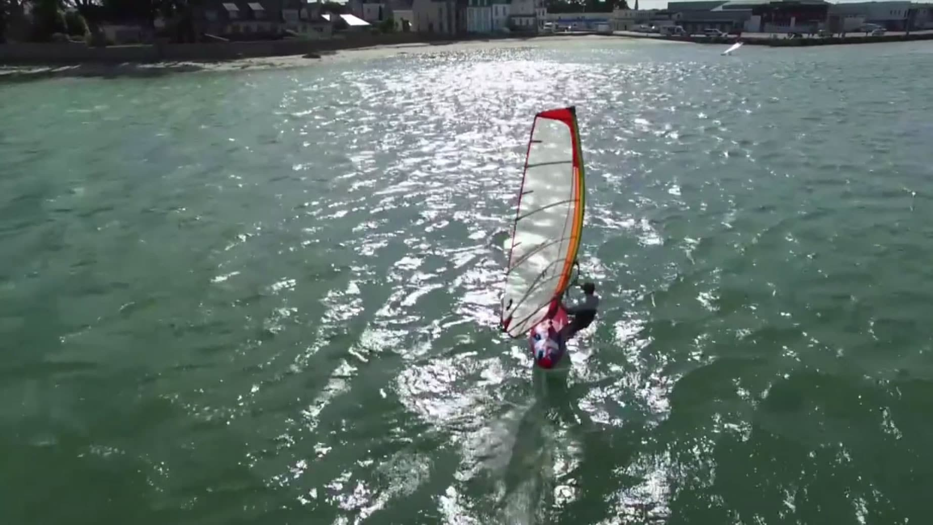 Vidéo de Léo Etienne en Sup Foil en Guadeloupe