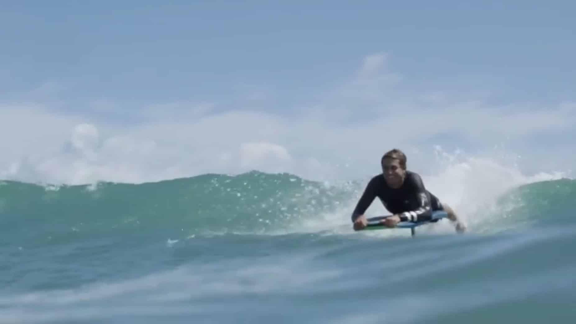Vidéo de Kai Lenny sur un Hydrofoiling Bodyboard !