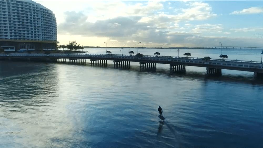 Vidéo Lift Foil dans les canaux de Miami