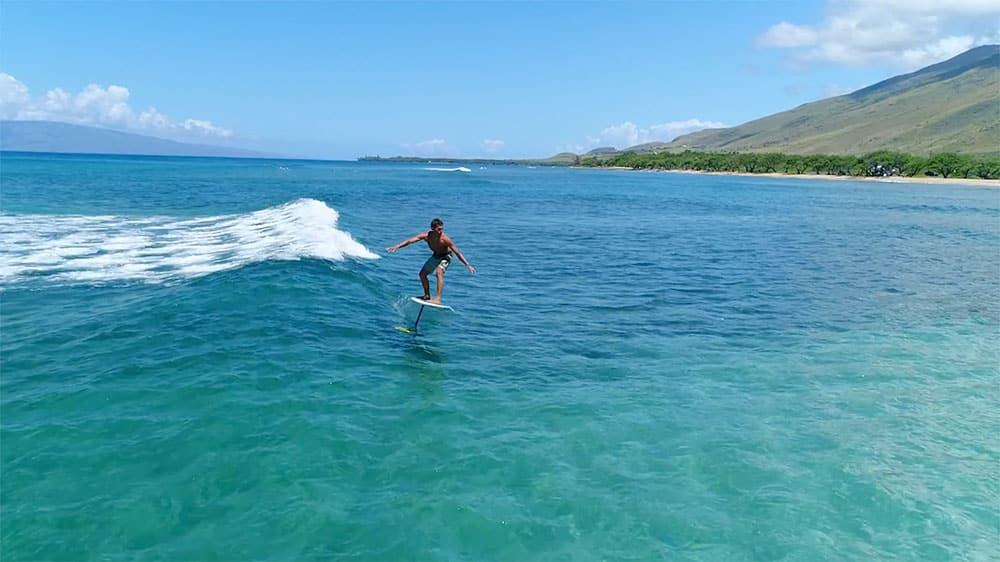 Découvrez le surf foil 2018 de chez Naish avec Kai Lenny