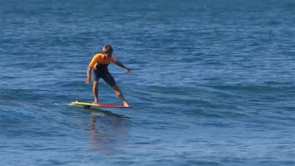 11 vagues d'affilée en 6 minutes et en Surf Foil par Kai Lenny