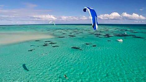 Portrait et vidéo de Niko Blank, un kite foiler de Calédonie