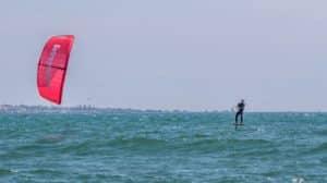 Mattieu Girolet part faire le tour de France en kitefoil !