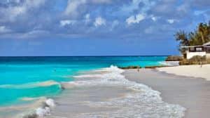 Les plages de la Barbade, une destination pour le foil