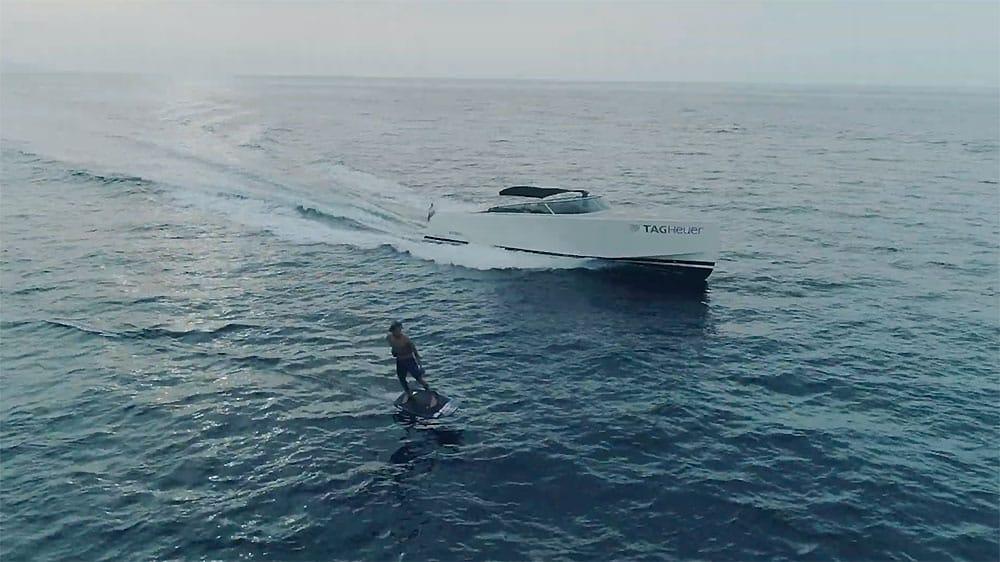 Vidéo Kai Lenny TAG Heuer à Monaco en e-foil