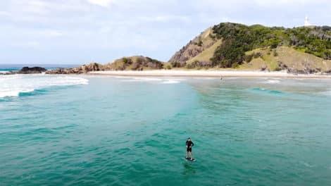 Surf Foil à Byron Bay avec Unifoil Crew