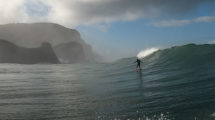 Foiling à Piha en Nouvelle Zélande
